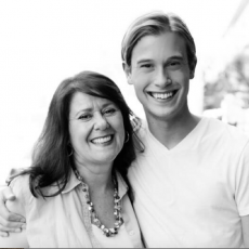 About_Tyler_-_Tyler_Henry___Hollywood_Medium_and_Medium_and_Notes
